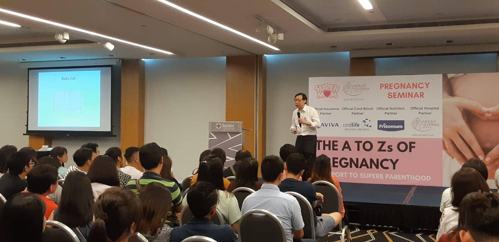 Doctor Simon Gives A Talk In A Pregnancy Seminar March 2019